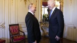 Putin a Biden sa dohodli na návrate veľvyslancov do USA a Ruska