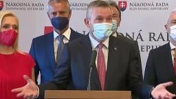 TB strany Hlas-SD aj o možnom odvolávaní vlády premiéra Hegera