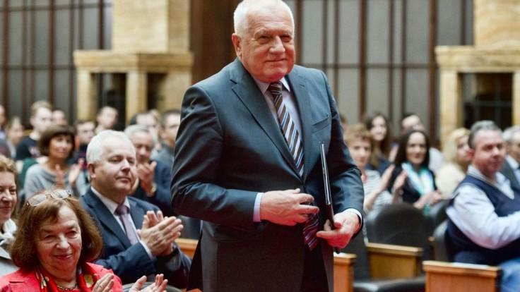 Exprezident Klaus bude mať osemdesiatku, oslávi ju na Pražskom hrade