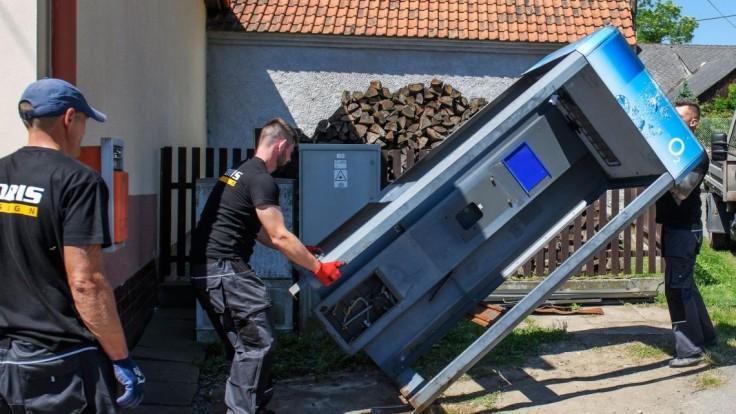 V Česku demontovali poslednú telefónnu búdku