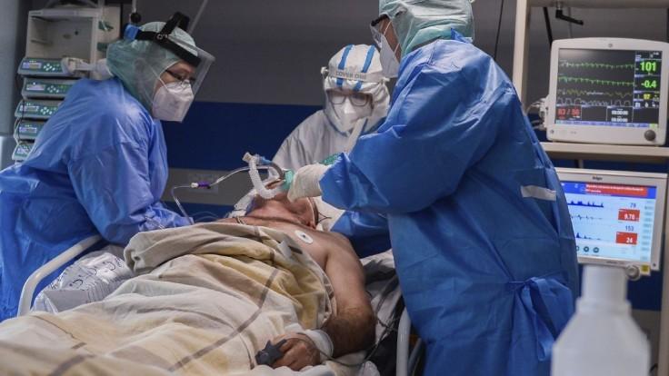 Rakúsko chce zdravotníkom vyjadriť uznanie za boj s covidom. Dostanú 500-eurový bonus