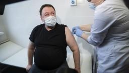 Povinné očkovanie zamestnancov plánujú zaviesť v ďalších oblastiach Ruska