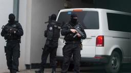 Prokurátor žiada väzbu pre tri osoby z akcie Motorest