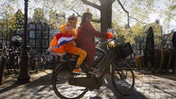 Holandsko uvoľní takmer všetky opatrenia, zrušia i povinné nosenie rúšok