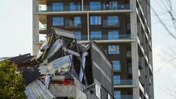 V Belgicku sa zrútila novostavba základnej školy, pod troskami našli mŕtvych