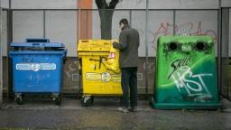 Zle vytriedený odpad vo farebných košoch môže znehodnotiť zrecyklovateľný zvyšok