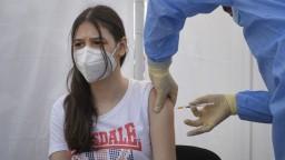 Očkovať by po novom mohli aj všeobecní lekári, tí sa sťažujú na nedostatok informácií