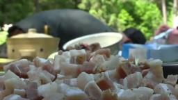 Študenti v Tatrách sa venujú zaujímavým aktivitám, učia sa variť v prírode