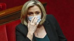 Francúzske miestne voľby podľa odhadov ovládli konzervatívci, účasť ovplyvnili horúčavy