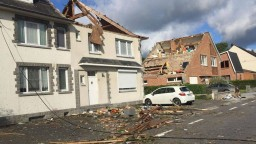 Tornádo narobilo v belgickom meste škody, niektoré domy sú neobývateľné