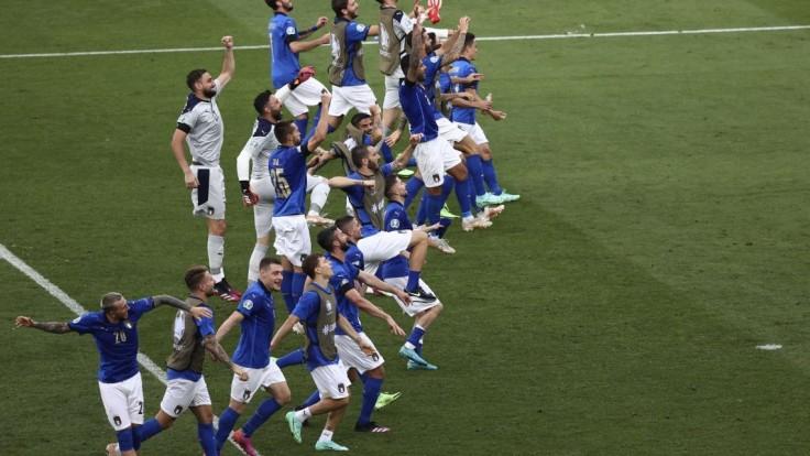 Taliani vyhrali skupinu bez straty bodu. Nemôžem si priať viac, hovorí Mancini