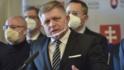 Vláda sa dopustila štátnej korupcie, tvrdí Fico. Má ísť o Slovenskú poštu