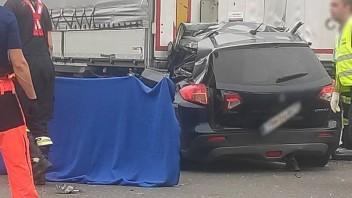 Diaľnica D2 v smere zo Stupavy do Bratislavy je pre nehodu neprejazdná