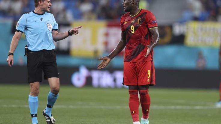 Belgickí futbalisti porazili Fínov, jeden z gólov si pripísal Lukaku