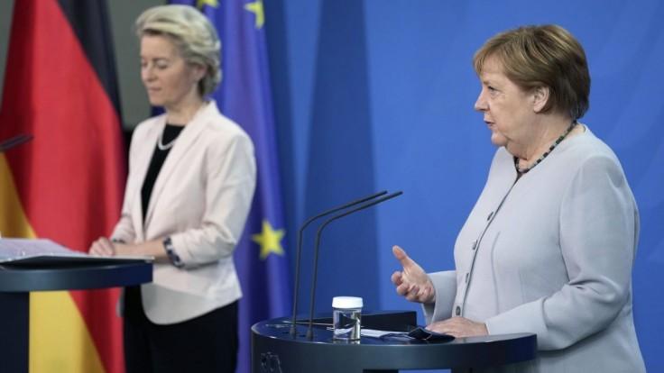 V Británii sa šíri Delta variant. Merkelová vyzvala futbalovú úniu UEFA na zodpovednosť