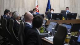 Vláda rokovala o sociálnych témach, ale aj o epidemickej situácii