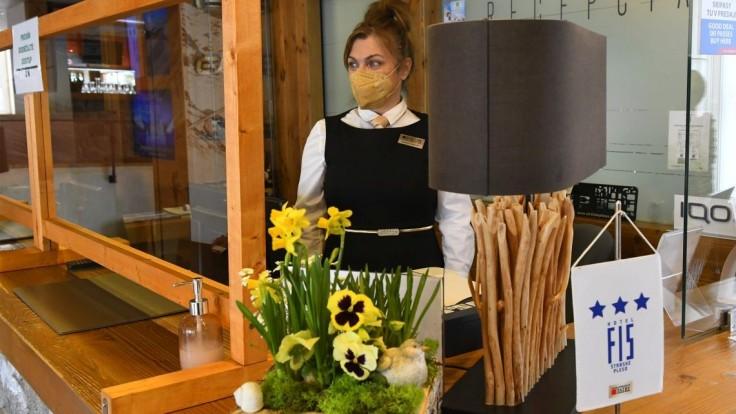 Apríl bol pre hotelierov lepší. Hostí však bolo o takmer 90 percent menej, než pred pandémiou