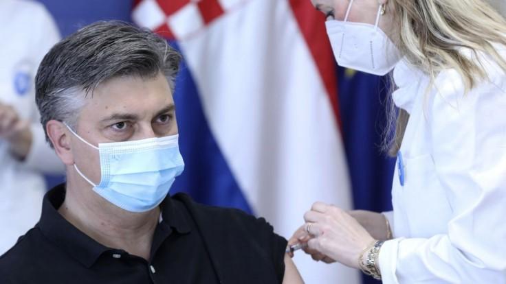 Zaočkovaných Chorvátov pribudlo za týždeň len 1 percento. Premiér vyzýva k vakcinácii