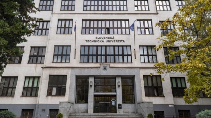 Voľby rektora sú korektné a atmosféra je pokojná, tvrdí Slovenská technická univerzita
