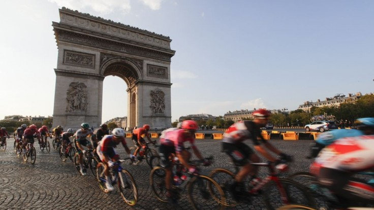 Nové opatrenia na Tour de France. Tímy vylúčia po dvoch pozitívnych jazdcoch