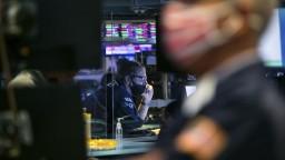 Akciové trhy atakujú maximá, analytik zhodnotil vývoj na finančnom trhu