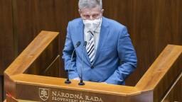 Covid pas bude spustený 26. júna, tvrdí Lengvarský