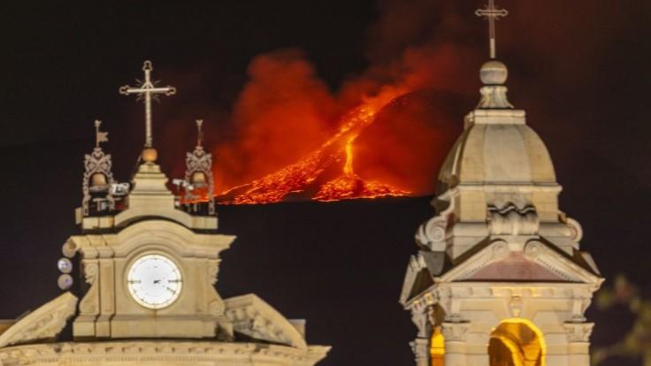 FOTO Etna opäť predviedla svoju ohromnú silu