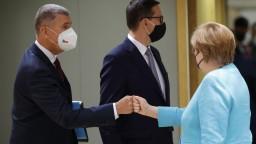 Lídrov EÚ znepokojuje delta variant, na summite rokovali aj o hraniciach