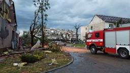 Vyčíňanie tornáda v Česku si vyžiadalo niekoľko obetí a stovky zranených