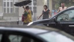 Meteorológovia varujú pred vysokými teplotami, búrkami i povodňami