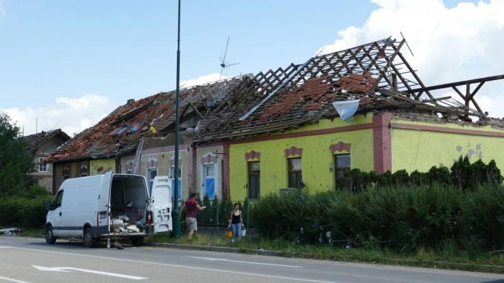 Bolí ma srdce. Sme s vami, reagovali slovenskí politici na smršť na Morave