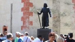 V Bystrici odhalili sochu zakladateľa mesta, v roku 1255 jej udelil mestské privilégiá
