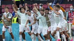 Španieli sa po dramatickom zápase s Chorvátskom prebojovali do štvrťfinále