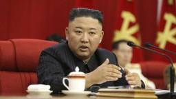 Kim Čong-un vykonáva úrad normálne. Kórea označila špekulácie o jeho zdraví za nepodložené
