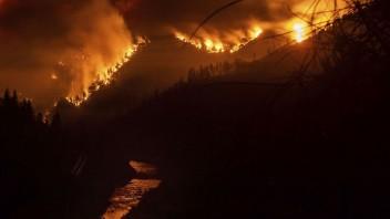 Požiar v Oregone ohrozuje obyvateľov, oheň už zničil tisíce hektárov