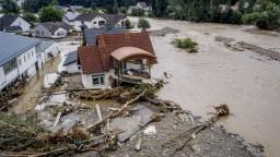 Merkelová hovorí o hrozných dňoch. Ľudom zo zaplavených oblastí prisľúbila štátnu podporu