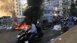 Protesty v Libanone si vyžiadali viac ako 20 zranených. Sú medzi nimi aj vojaci