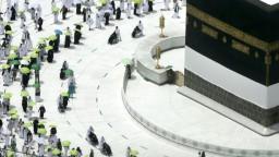 Začala tradičná púť do Mekky, zúčastniť sa môžu len domáci moslimovia