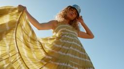 Farbenie látky je späť: Módna batika vám uberie pár rokov