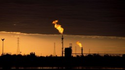Ceny ropy klesli, sú za tým najmä obavy z ďalšej vlny pandémie