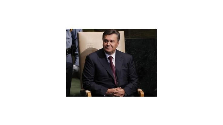 Janukovyč má údajne tajný palác s heliportom a pštrosmi
