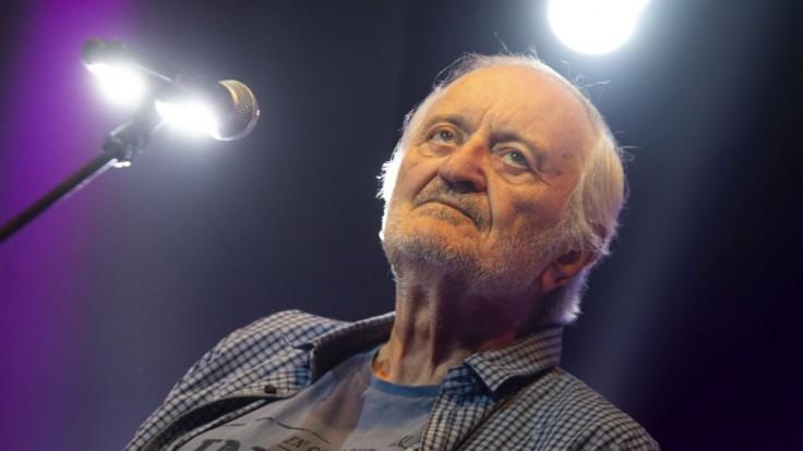 Vo veku 81 rokov zomrel Milan Lasica. Legendárny herec a komik odpadol počas koncertu