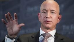 Jeff Bezos v utorok poletí do vesmíru. Cesta by mala trvať desať minút