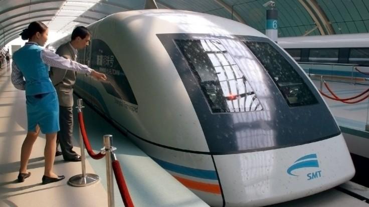 Čína predstavila novú verziu rýchlovlaku. Dokáže ísť 600 kilometrov za hodinu