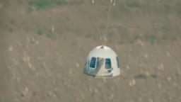 Prvý let Blue Origin miliardára Bezosa bol úspešný, modul sa vrátil na Zem