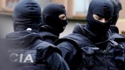 Ktosi chce cez médiá zastrašiť vyšetrovateľov NAKA, tvrdí Kovařík. Vojnu v polícii poprel