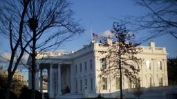 Úradník Bieleho domu mal pozitívny test na covid, s Bidenom v kontakte nebol