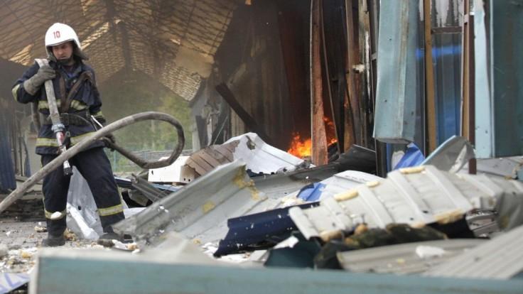 V chemickom závode na Ukrajine došlo k výbuchu, nad mestom sa vznášal oranžový mrak
