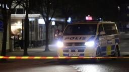 Väzni vyzbrojení žiletkami zajali vo Švédsku dozorcov, pre spoluväzňov žiadali pizzu a kebab