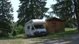 Autokemping v Tajove vyhľadávajú domáci aj zahraniční turisti. Aká je dovolenka v srdci Slovenska?